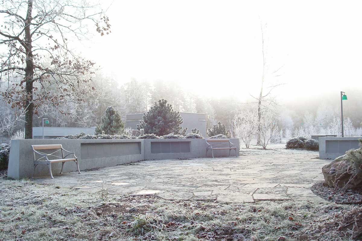 100. Minneslund vid Täby södra begravningsplats